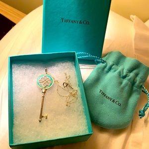 Tiffany keys knot key pendant